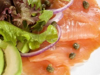 SALMON-Y-AGUACATE
